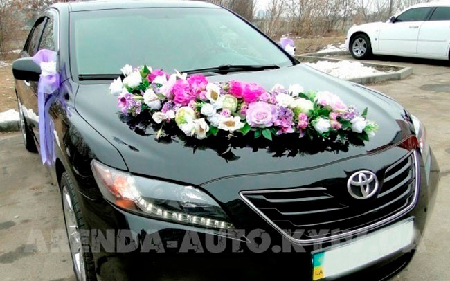 Аренда Toyota Camry 40 на свадьбу Киев
