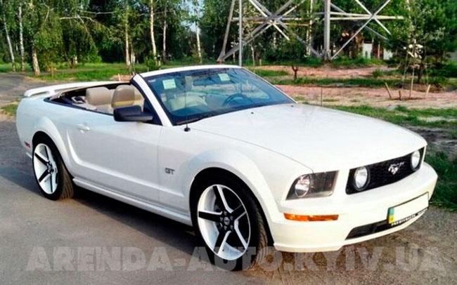 Аренда Ford Mustang Cabrio на свадьбу Киев