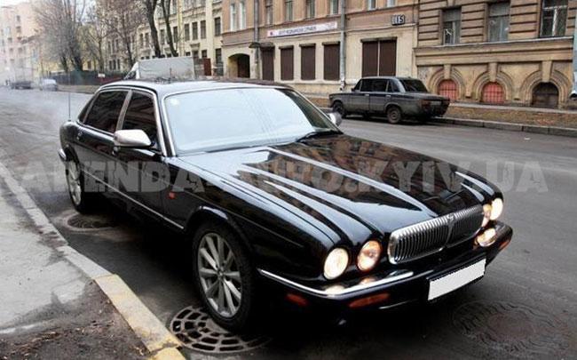 Аренда Jaguar Daimler на свадьбу Киев