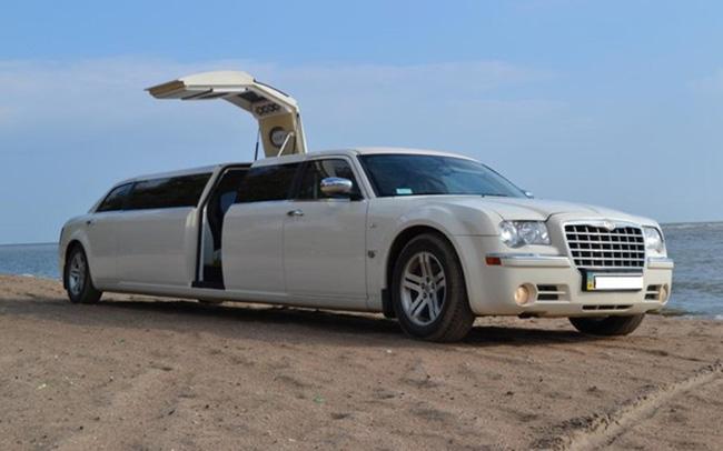 Аренда Chrysler 300C на свадьбу Киев
