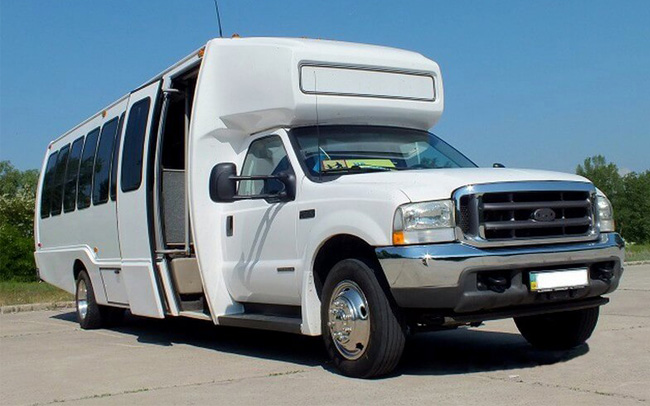 Аренда Автобус Ford 32 места на свадьбу Киев