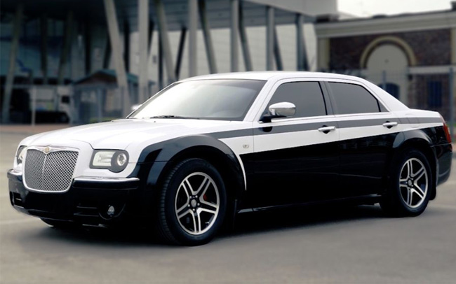 Аренда Chrysler 300C КИТ Рестайл на свадьбу Киев