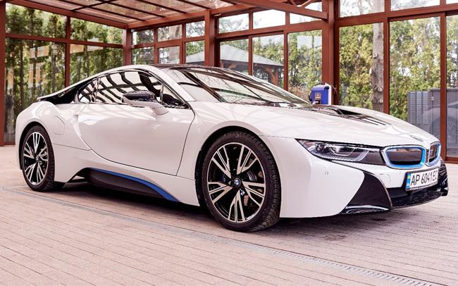 Аренда BMW i8 на свадьбу Киев